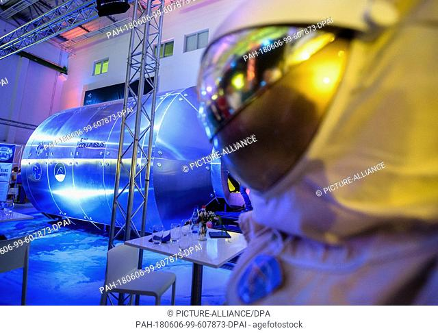 06 June 2018, Germany, Wessling: The interior of a model of the space laboratory Columbus is presented during an event at the German Aerospace Center (DLR)...