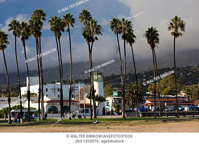 USA, California, Southern California, Santa Barbara, harborfront and beach