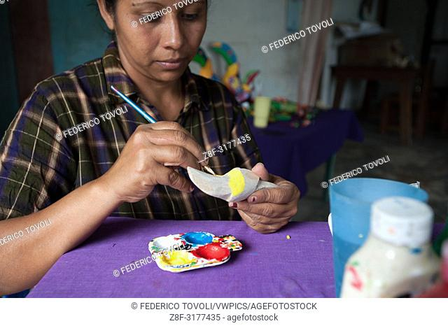 The craft of balsa is a bit 'as the cultivation of beans, to Solentiname each family produces, sell directly is a bit' more difficult given the low turnout of...