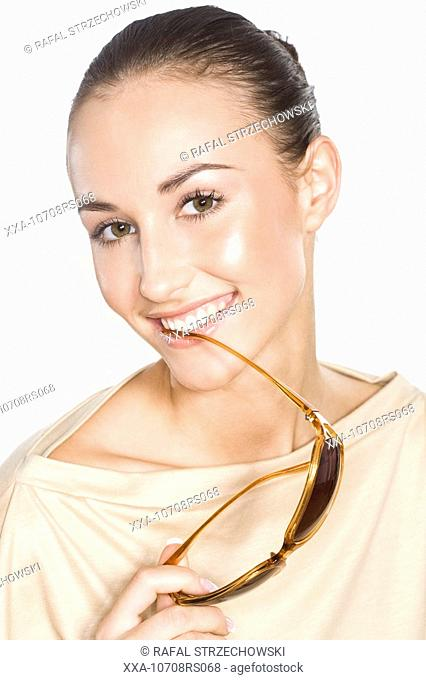 beauty woman with sun glasses