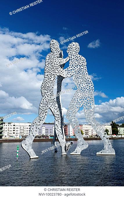 Banks of the River Spree Kreuzberg, Molecule Man, sculpture by Jonathan Borofsky between Kreuzberg, Friedrichshain and Alt-Treptow, Berlin, Germany