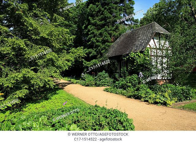 D-Kiel, Kiel Fjord, Baltic Sea, Schleswig-Holstein, Old Botanical Garden, park, garden shed, half-timbered, footpath