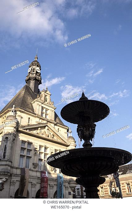 Fountain on Place du Commandant Louis Daudre Peronne Somme Hauts-de-France France