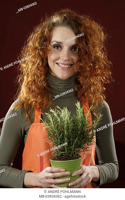 Woman, young, herbal pot, holding, smiling,  Half portrait,   Series, 20-30 years, rehaired, curls, freckles, flowerpot, herbs, herbs, garden herbs, herbs