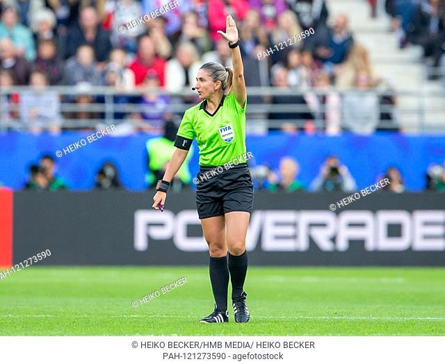 France, Reims, Stade Auguste-Delaune, 11.06.2019, Football - FIFA Women's World Cup - USA - Thailand Photo: vl refereein: Mariana De Almeida | usage worldwide