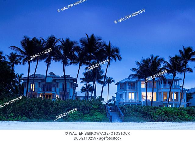 USA, Florida, Gulf Coast, Naples, beach front houses, dawn
