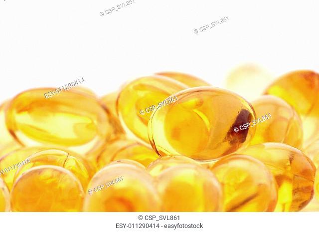 Vitamin and fish oil capsules