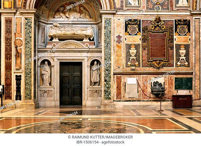 Grave monument of Pope Innocent III., transept, Basilica San Giovanni in Laterano, Basilica of St. John Lateran, Rome, Lazio, Italy, Europe