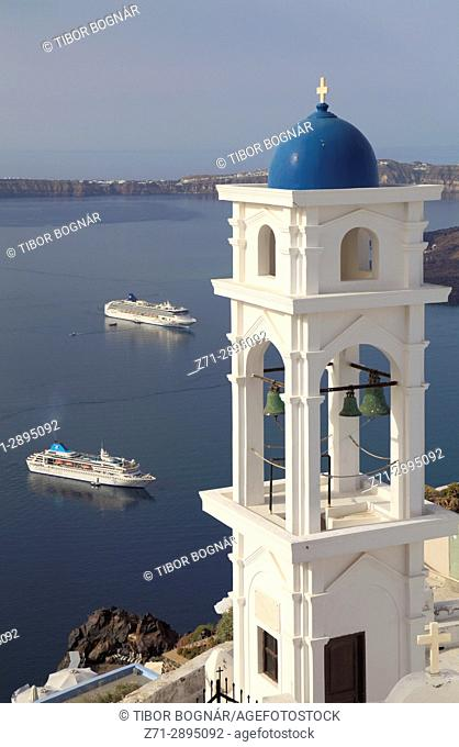 Greece, Cyclades, Santorini, Imerovigli, Anastasi Church, bell tower, cruise ships