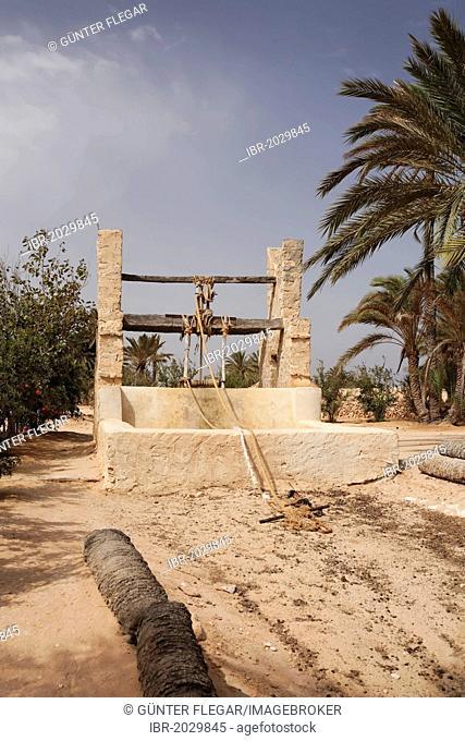 Old Berber well, Djerba Explore Park, Midoun, Djerba, Tunisia, Maghreb region, North Africa, Africa