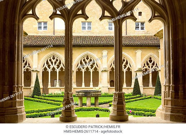 France, Dordogne, Perigord Noir, Le Buisson de Cadouin, the cloister of the former Cistercian abbey in flamboyant gothic style located on the Chemin de Saint...