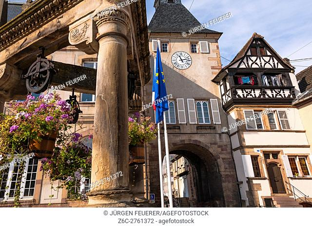 Rosheim, picturesque village, at the scenic route of Vine Alsatian Alsace, France