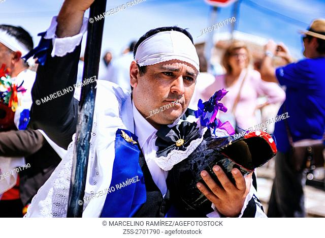Character called Mayor Sin. Pecados and Danzantes de Camuñas, sins and dancers, is a declared national tourist interest, on Thursday Corpus Christi in the...