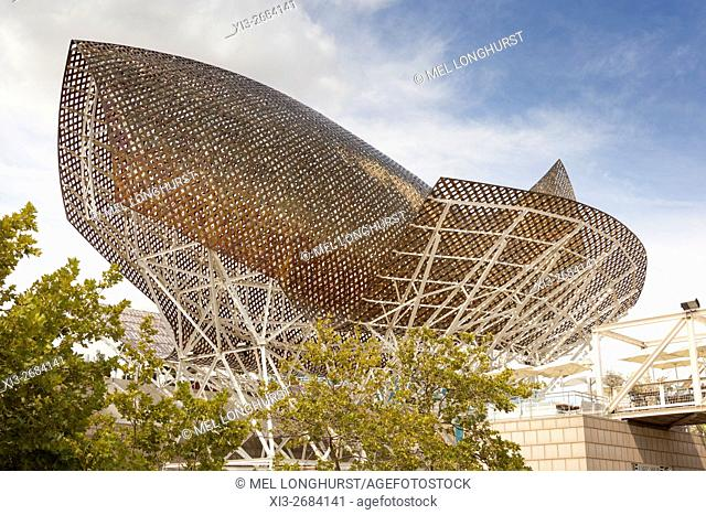 Frank Gehry's bronze fish sculpture, Port Olimpic, Barcelona, Spain