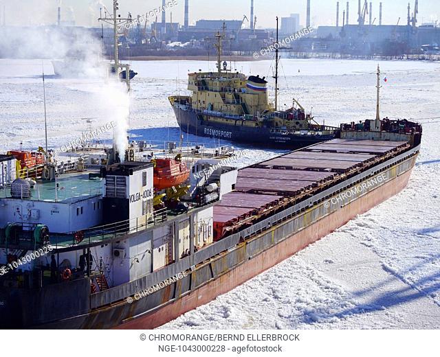 port of st petersburg in winter
