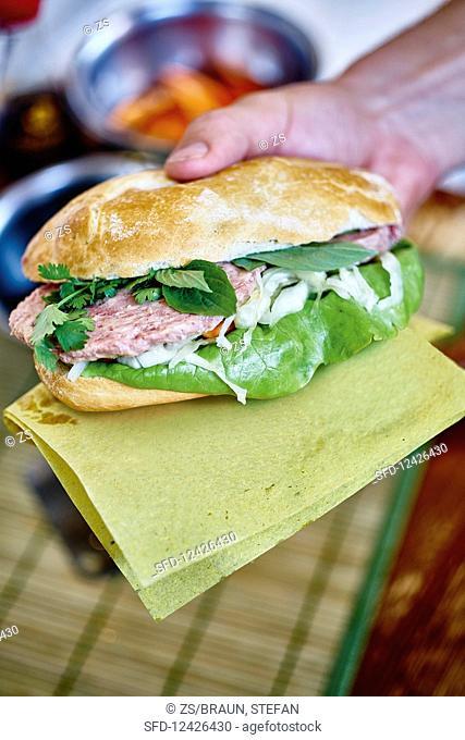 Banh Mi – Vietnamese baguette sandwich to take away