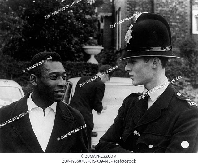 July 8, 1966 - London, England, U.K. - Brazilian soccer player EDSON NASCIMENTO 'PELE' has a conversation with a policeman