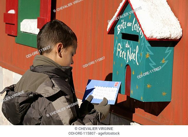 Child Santa Claus letter
