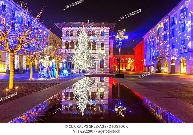 Grimoldi Square in Christmas time, Como, Lombardy, Italy