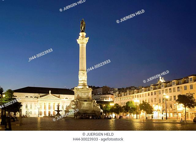 Portugal, Lisbon, Rossio square at night , | Lissabon Rossio Platz bei Nacht