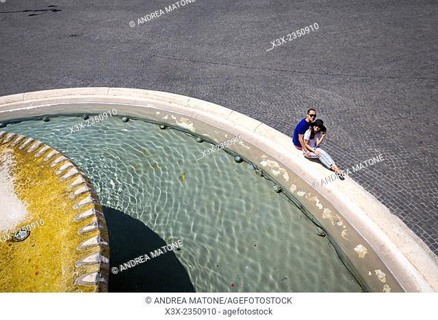Couple in love. Piazza del Popolo. Rome Italy