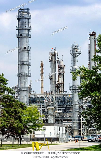 Industrial Oil to Petroleum Refinery in North America