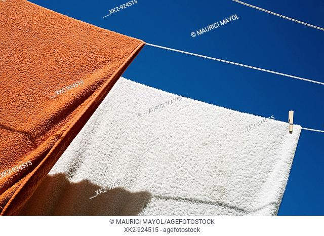 toallas tendidas al sol