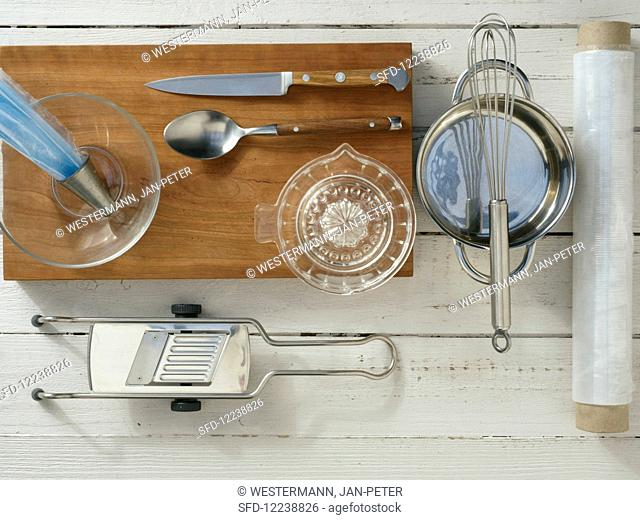 Kitchen appliances required for the preparation of cucumber and salmon roulades