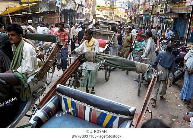 everyday traffic, India, Varanasi