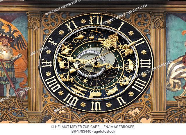 Astronomical Clock, 1581, on the city hall, Marktplatz 1, Ulm, Baden-Wuerttemberg, Germany, Europe