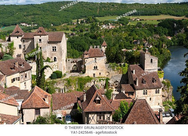 France, Quercy, Lot 46, Saint-Cirq-Lapopie village and Lot river