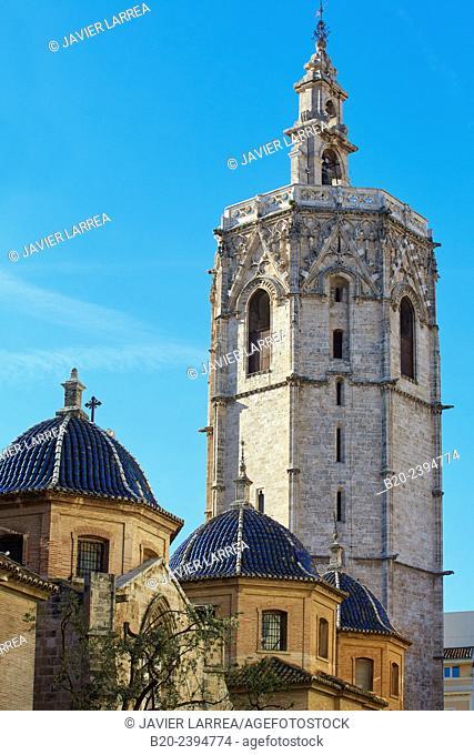 'Micalet' belfry and cathedral. Plaza de la Virgen. Valencia. Comunidad Valenciana. Spain