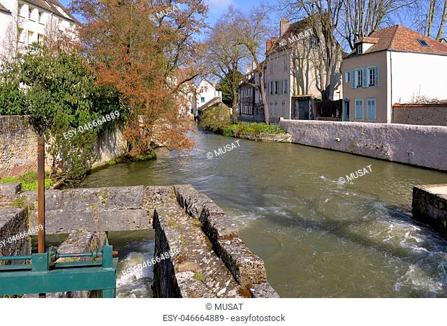 Eure river flowing in Chartres, a commune and capital of the Eure-et-Loir department in region Centre-Val de Loire in France