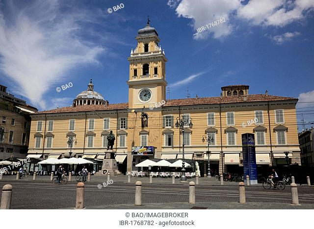 Palazzo del Governatore, Governor's Palace, on Piazza Garibaldi square, Parma, Emilia Romagna, Italy, Europe