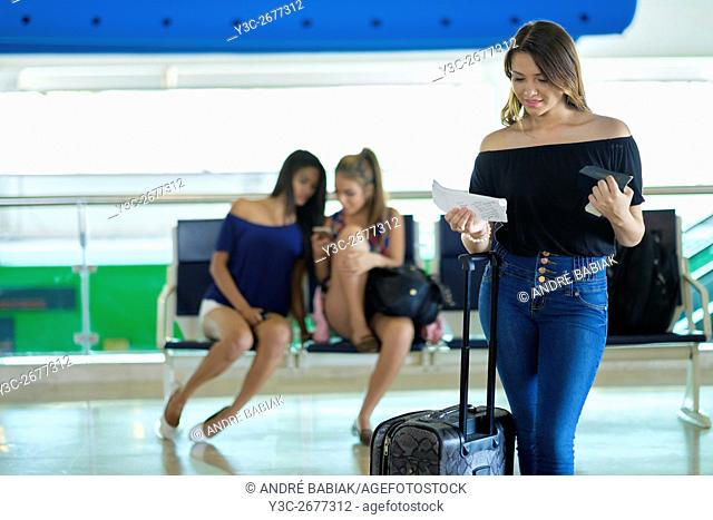 Girls going on vacation, Puerto Vallarta, Jalisco, Mexico