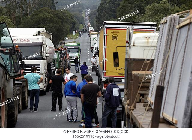 Curtis A Coruña Hundreds of tractors Curtis reach the N-634 national collapsing. From Curtis Teixeiro, about 10 km. Ask a regulation to agree a minimum price...