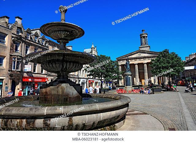 Scotland, Elgin town center, fountains and church of Saint Giles, Sant Giles Church