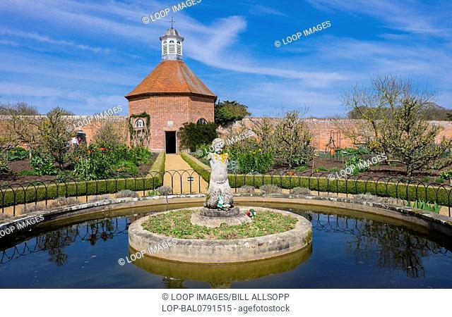 Pond and dovecote at Felbrigg Hall
