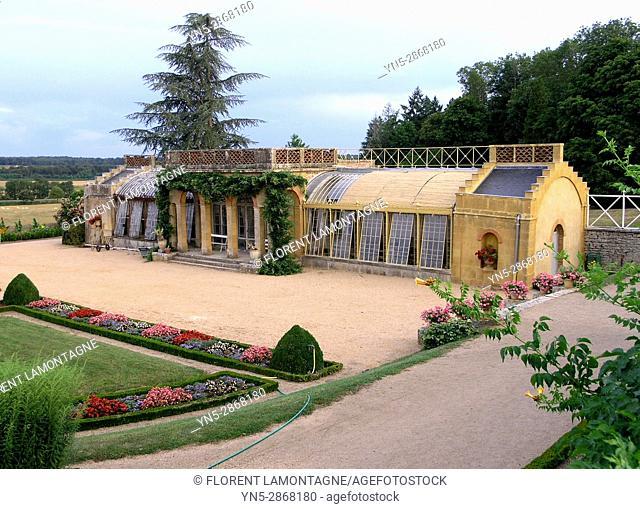 Serres des jardins du chateau de Digoine, Palinges, Saone et Loire, Bourgogne, France
