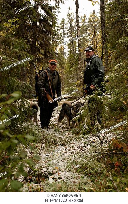 Men elk-hunting, Sweden