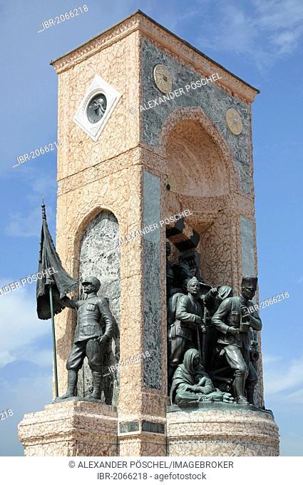 Cumhuriyet Aniti, republic monument, Taksim Square, Istanbul, Turkey, Europe