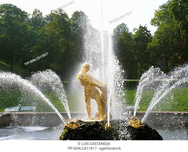 Russia, St. Petersburg. Peterhof Castle gardens and fountain