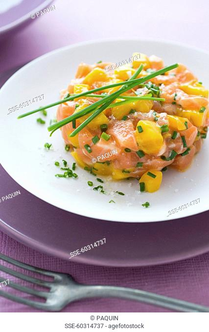 Pastis marinated salmon,mango and chive tartare
