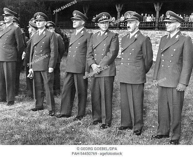 Major Generals (l-r) Munzel, Freiherr von Liebenstein, Pernsel, Hermann and Horn on 15 May 1956 in the General-Ludwig-Beck barracks in Sonthofen listeing to a...