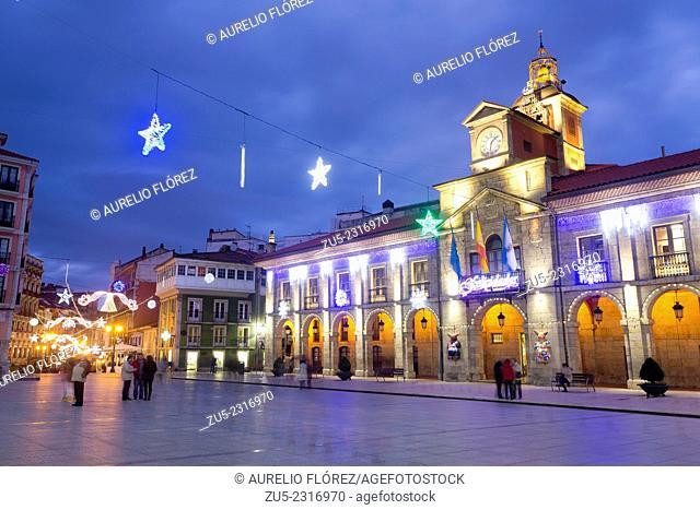 Plaza del Ayuntamiento square, Christmas lights, Avilés, Asturias, Spain