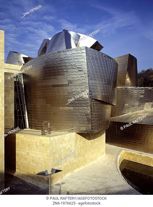 GUGGENHEIM MUSEUM, BILBAO, SPAIN, FRANK O GEHRY & ASSOCIATES, EXTERIOR, EXTERNAL VIEW