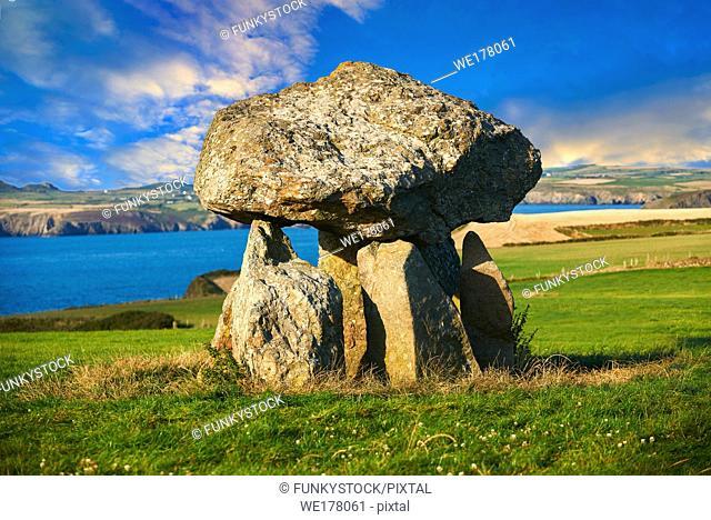 Carreg Samson or Samsonâ. . s Stone, a 5000 year old Neolithic dolmen burial chamber, near Abercastle, Pembroke, Wales