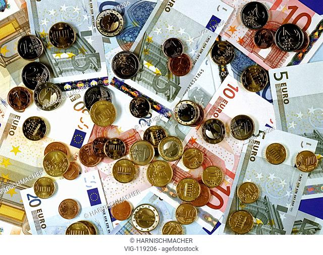 Euro notes and euro coins.  - 27/10/2005