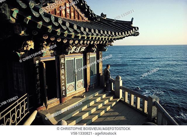 SUNRISE ON THE SEA OF JAPAN, NAKSAN SA TEMPLE, KOREA