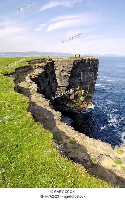 Cliffs at Downpatrick Head, near Ballycastle, County Mayo, Connacht, Republic of Ireland Eire, Europe